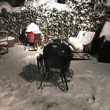 Primo grill in snow