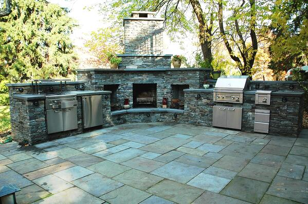 Lynx-Outdoor-Kitchen-with-Marvel-Outdoor-refirgerator