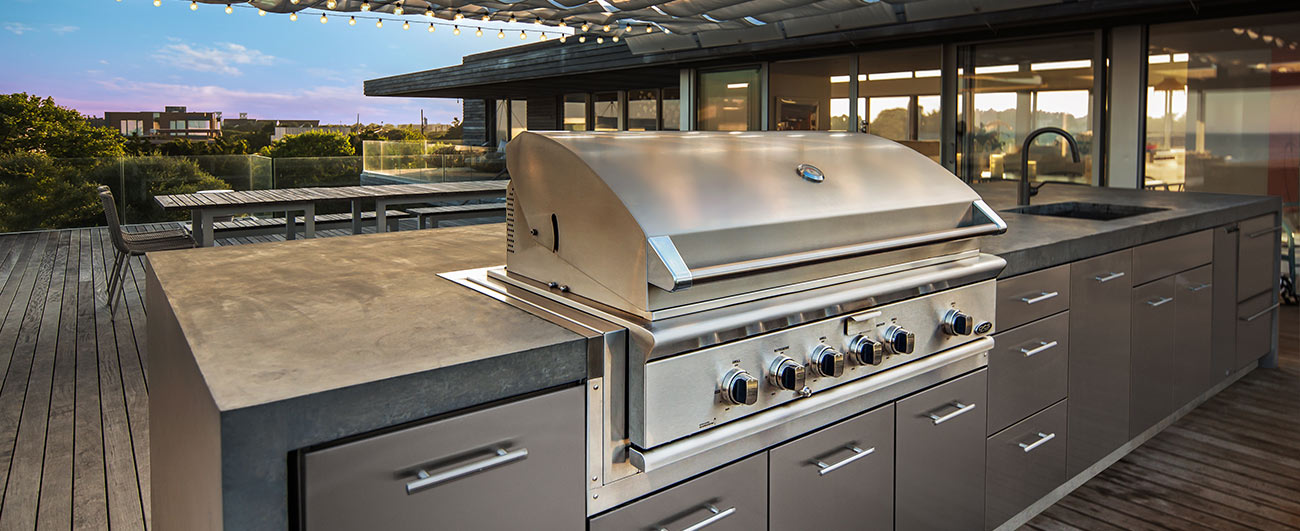 dcs-grills-outdoor-kitchen-on-deck